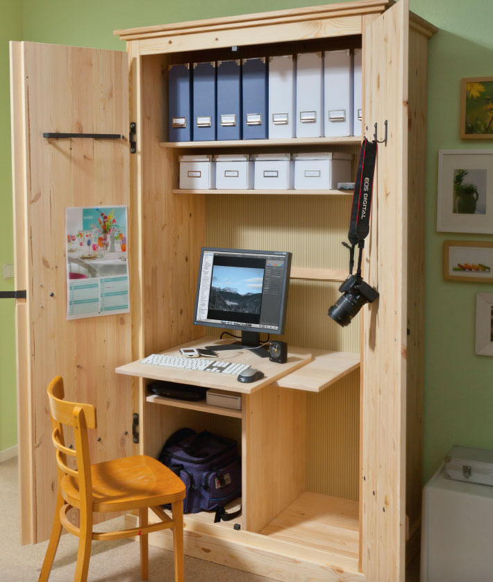 Arbeitsplatz kleines Büro im Schrank