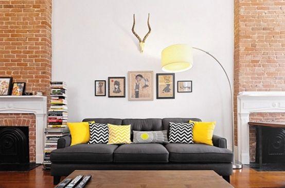 Deko Ideen Wohnzimmer gelb weiß schwarz Muster Kissen