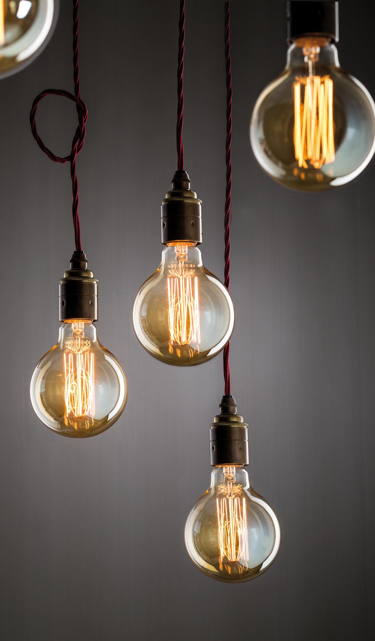 Große Glühbirne im Retro Stil Style Retro