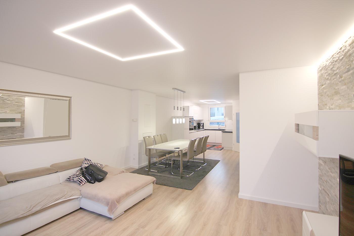 Spanndecke im Wohnzimmer – Kirchhausen – Spanndeckenstudio