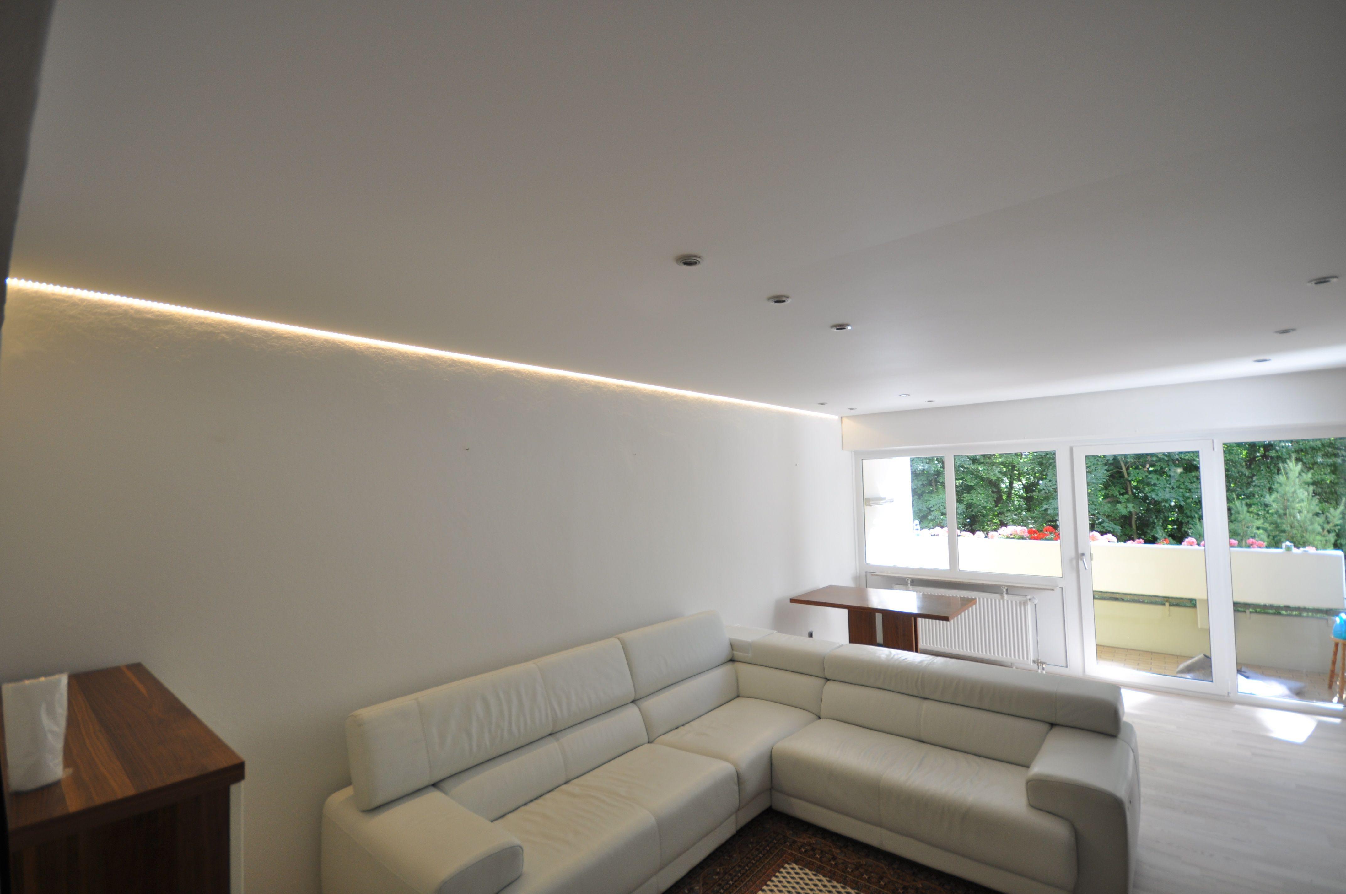 Spanndecken in matt weiß mit LED Einbaustrahlern und LED