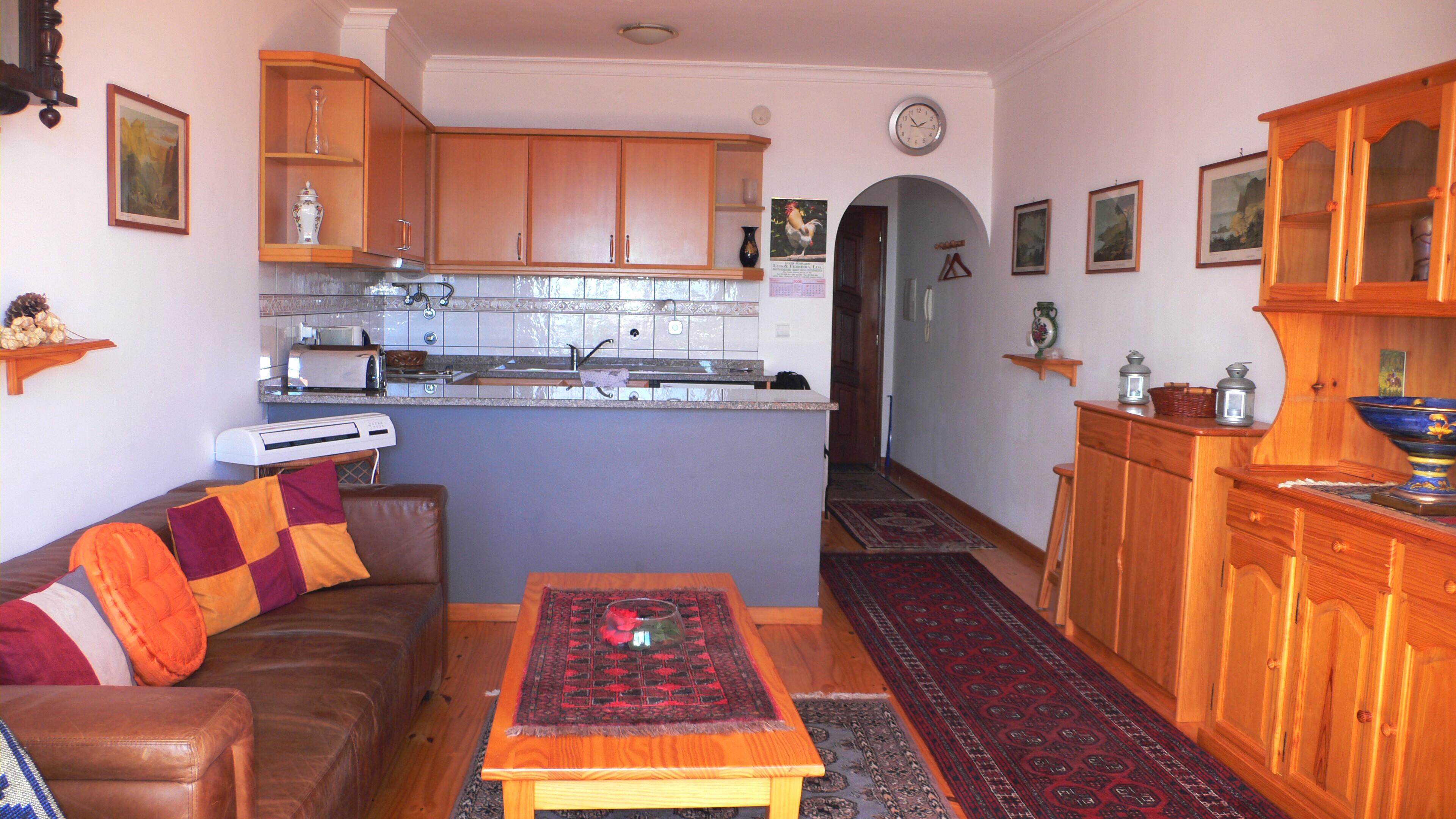 Wohnzimmer Mit fener Küche