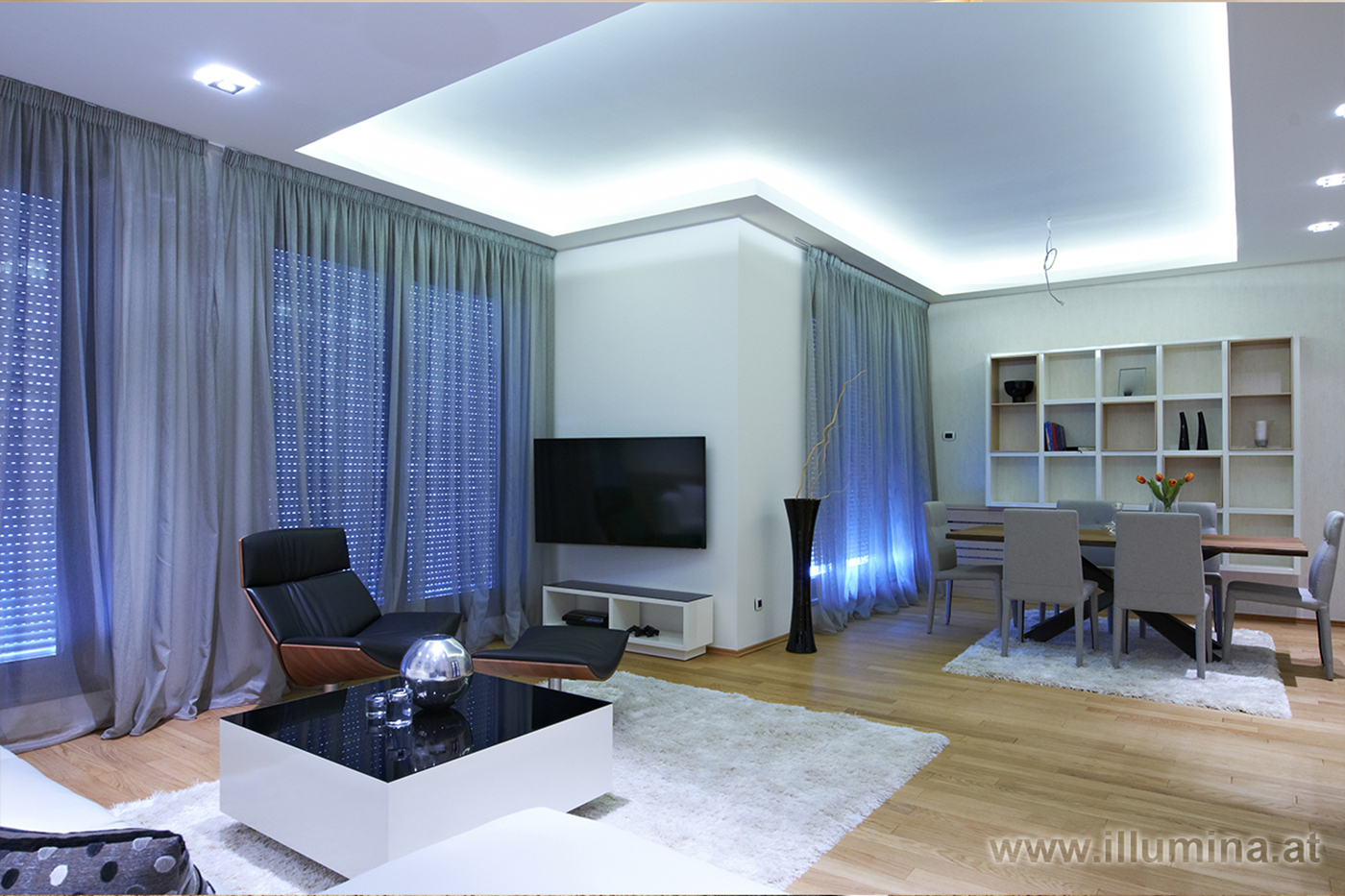 Wohnzimmer mit indirekter Beleuchtung Illumina
