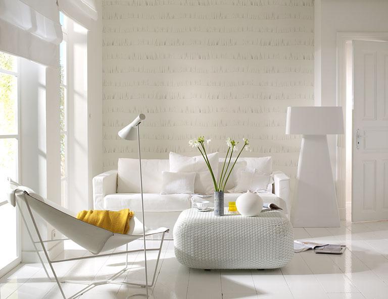 Wohnzimmer mit Tapete in Fransenoptik [SCHÖNER WOHNEN]